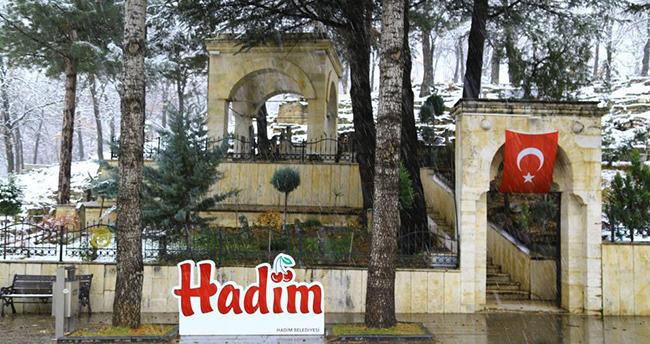 Konya'nın Hadim ilçesinde kar yağışı etkili oluyor