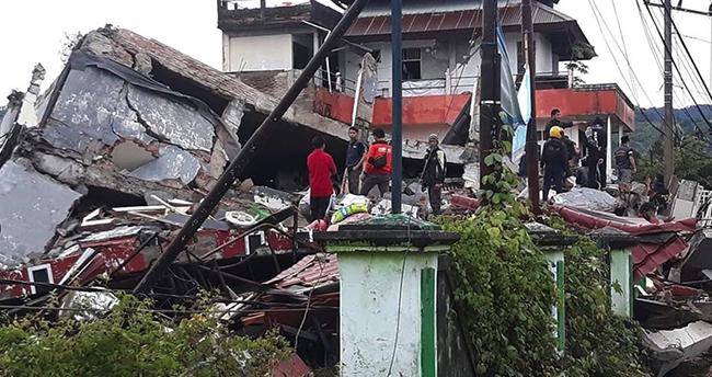 Endonezya'daki depremde ölü sayısı 56'ya yükseldi