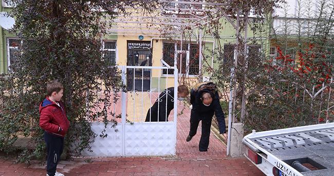 Konya'da sitenin bahçe kapısı çalındı! Site sakinleri şaşkınlıkla tedirginliği bir arada yaşıyor