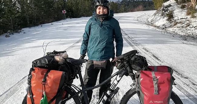 Bisikletiyle dünya turuna çıkan Brezilyalı, yolda kara yakalanınca yardımına Beyşehir Belediye Başkanı yetişti