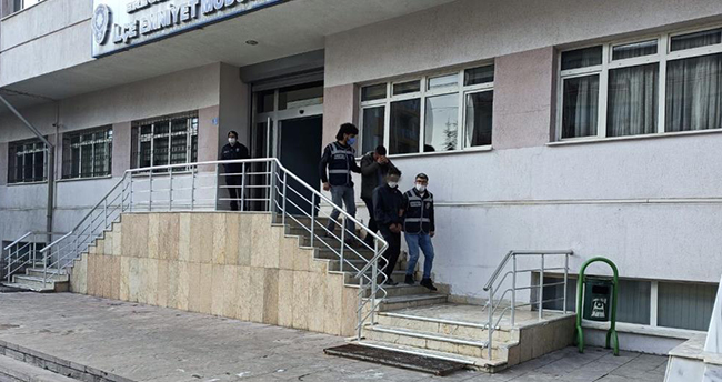 Konya'da kablo hırsızlığı şüphelileri polisten kaçamadı