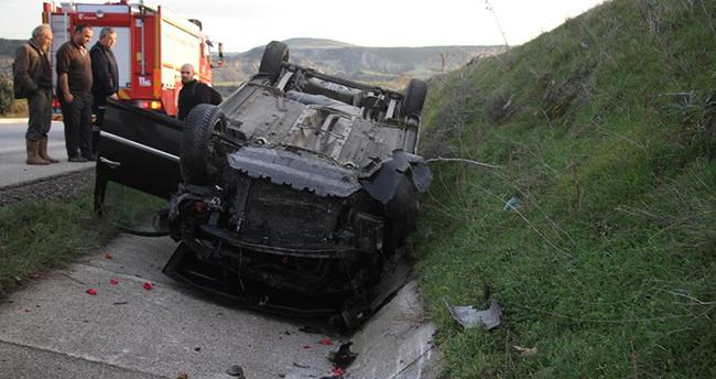 İzmir'den Konya'ya kız istemeye gelen aile Manisa'da kaza yaptı: 2 yaralı