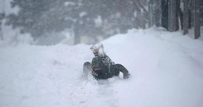 Konya'nın 21 ilçesinde kar yağışı nedeniyle yüz yüze eğitime ara verildi