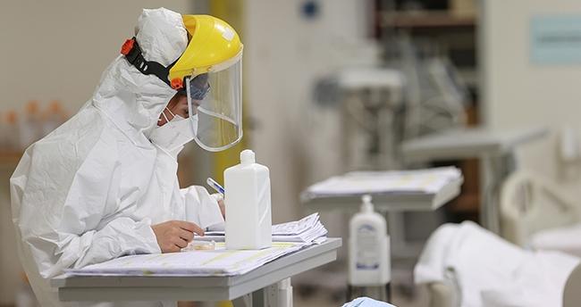 Dünya'da koronavirüsten hayatını kaybedenlerin sayısı 2 milyon 434 bini geçti