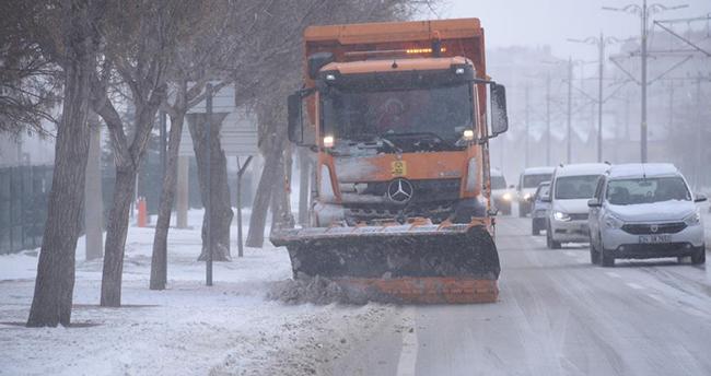 Konya Büyükşehir kar ve buzlanmaya karşı teyakkuz halinde