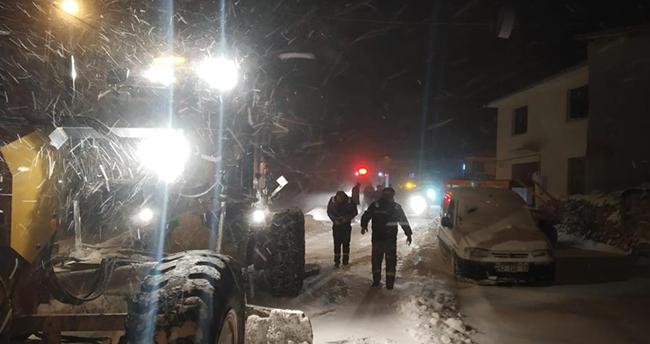 Konya'da karda mahsur kalan 14 kişiyi AFAD ekipleri kurtardı