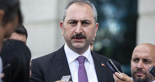Adalet Bakanı Gül: Herkesin terörle mücadeleye taraf olması şarttır