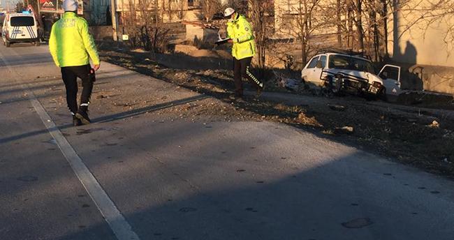 Konya'da yola çıkan köpeğe çarpan cip şarampole indi, sürücü yaralandı