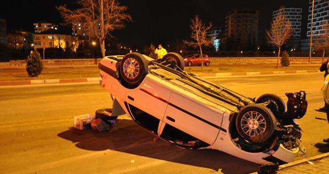 Karaman'da köpeğe çarpmamak için direksiyonu kıran sürücü takla attı