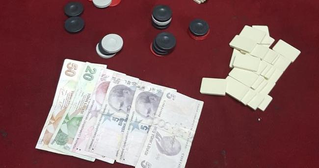 Konya'da boş daireye kumar baskını: 5 kişiye cezai işlem uygulandı