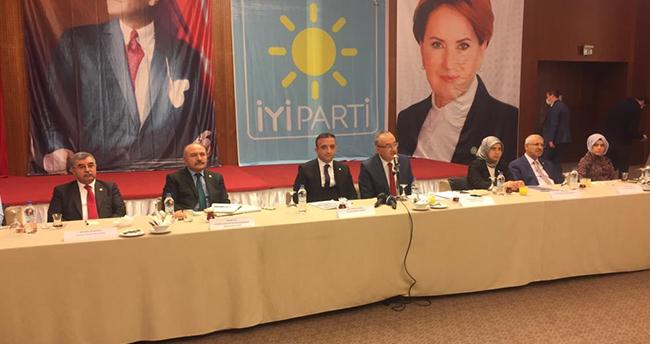 İYİ Parti TBMM Grup Başkanı İsmail Tatlıoğlu, Konya'da konuştu