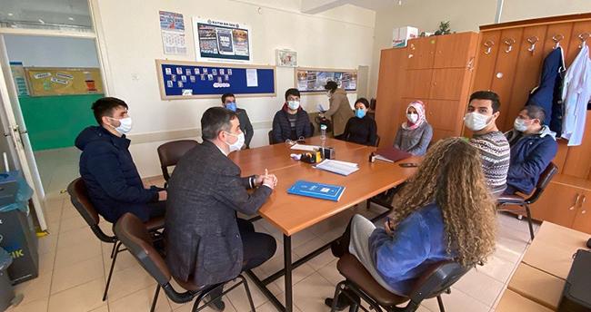 Yalıhüyük İlçe Milli Eğitim Müdürü Kafalı, yüz yüze eğitimin yapıldığı okulları ziyaret etti