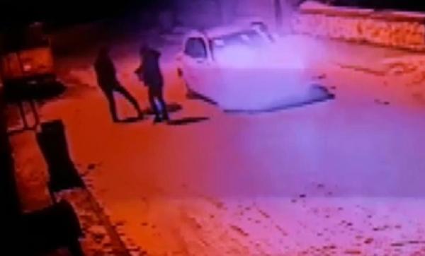 Konya'da akılalmaz canilik! Köpeği vurduktan sonra tekmeleyip çöpe attılar