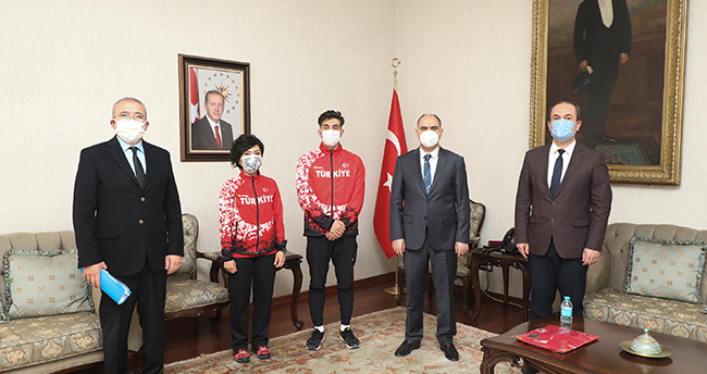 Şampiyon'dan Vali Özkan'a ziyaret