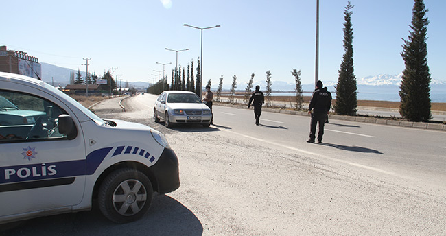 Beyşehir'de sokağa çıkma kısıtlaması uygulaması