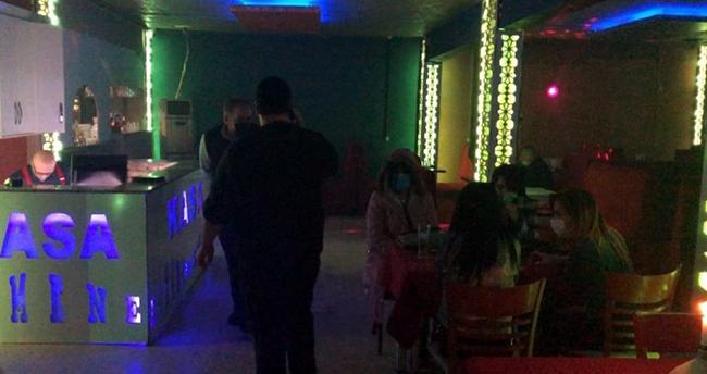 Çok yüksek riskli kategorideki Konya'da eğlence mekanlarına baskınlar sürüyor