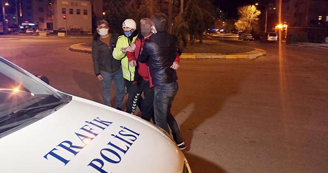 """Aksaray'da alkollü araç kullanırken yakalanan kişi """"Alkol alıp geziyorlar"""" diye şikayet etti"""