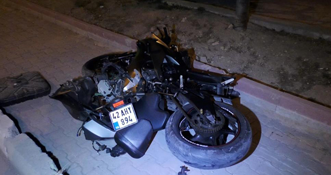 Konya'da savrulan motosikletin sürücüsü yaralandı