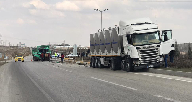 Konya'da tanker ile kamyon çarpıştı: 1 yaralı