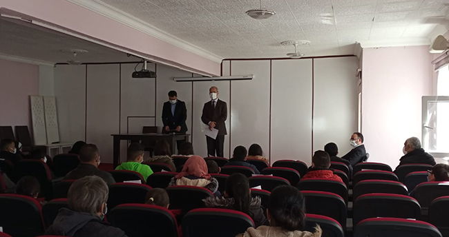 Beyşehir'de resim yarışmasında dereceye giren öğrencilere ödül verildi