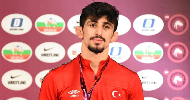 Milli güreşçi Kerem Kamal, Tokyo Olimpiyatları'na kota aldı