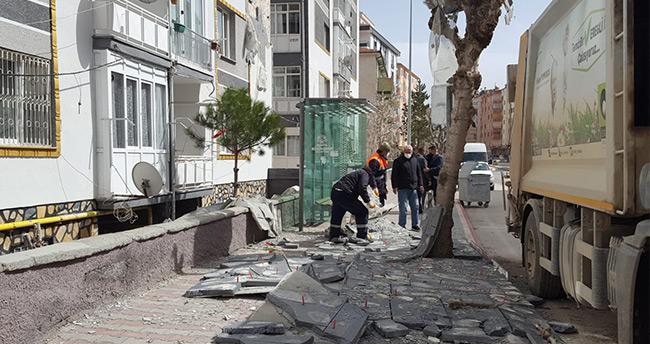 Konya'da şiddetli rüzgar maddi hasara yol açtı
