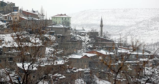 Kilistra Antik Kenti beyaz örtüyle kaplandı