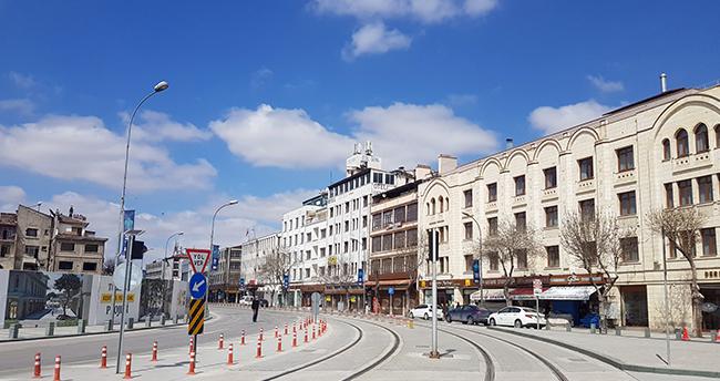 Sokağa çıkma kısıtlamasında Konya'da sessizlik hakim