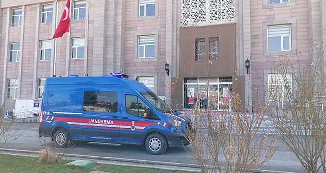 Konya'da yol kenarında ölü bulunan kızın erkek arkadaşının da aralarında olduğu 3 kişi tutuklandı