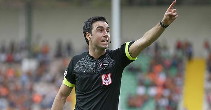 İH Konyaspor-MKE Ankaragücü maçının hakemi Arda Kardeşler