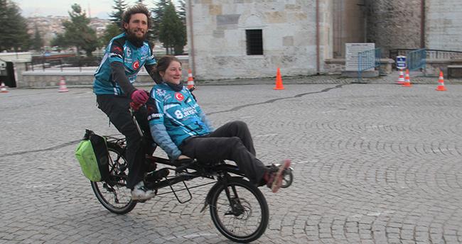 Bisikletleriyle Avrupa turuna çıkan Fransız çift, Beyşehir'de mola verdi
