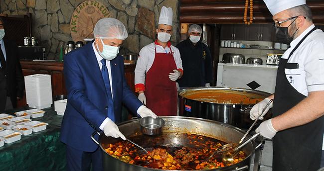 Akşehir'de ramazan dayanışmasıyla ihtiyaç sahiplerinin yüzü gülüyor
