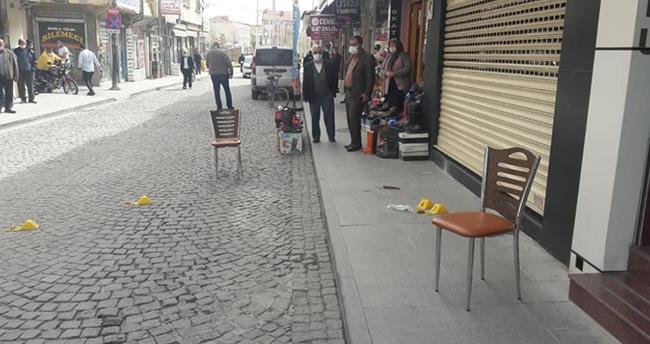 Konya'da iş yerini açan kuyumcu bacağından vuruldu
