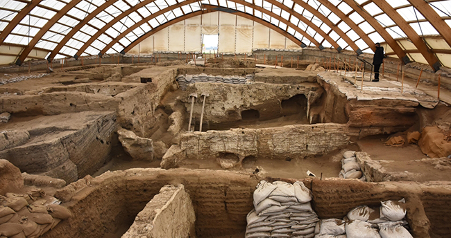 Konya'daki 9 bin yıllık Çatalhöyük, tarihe ışık tutuyor