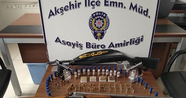 Konya'da kaçak silah operasyonu: 2 kişi gözaltına alındı