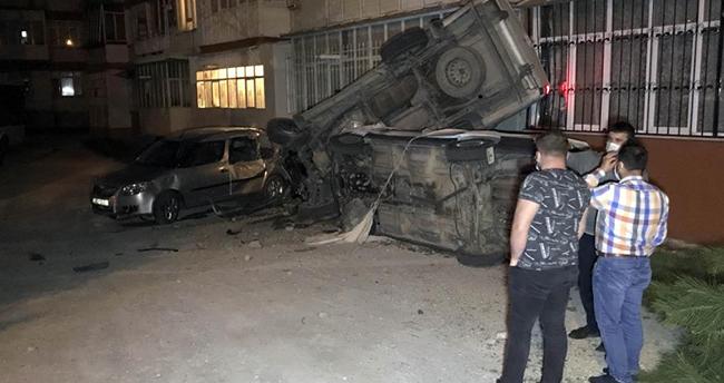 Konya'da alkollü sürücü önce 2 araca ardından apartmana çarptı, gülerek aracından eşyalarını istedi
